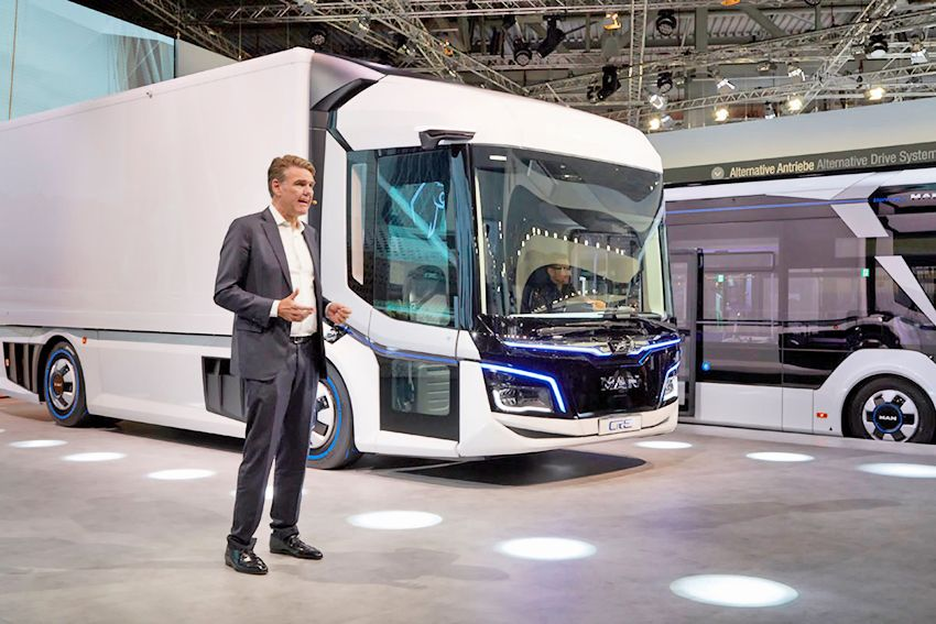 TRATON-GROUP-IAA-2018-commercial-vehicles-press-conference-scania_5.jpg