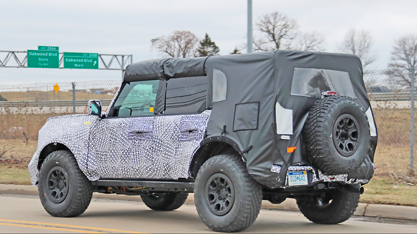2021-ford-bronco-off-road-variant-spy-shots-january-2020-013.jpg