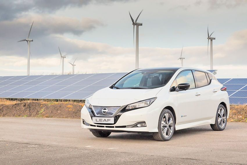 426212889_Production_begins_of_the_new_Nissan_LEAF_in_Europe.jpg